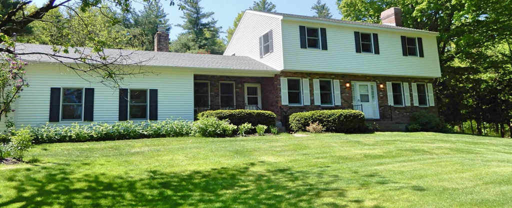 REDUCED! 121 Leloup Rd, Pittstown, NY 12121