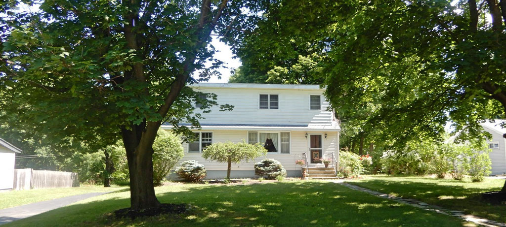 Featured: 4 Broadview Ct – Brunswick, NY 12180