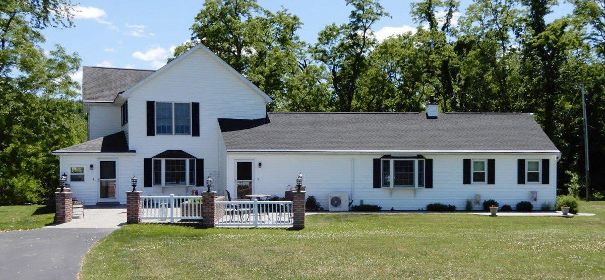 Featured: 120 Rowe La – Pittstown, NY 12185