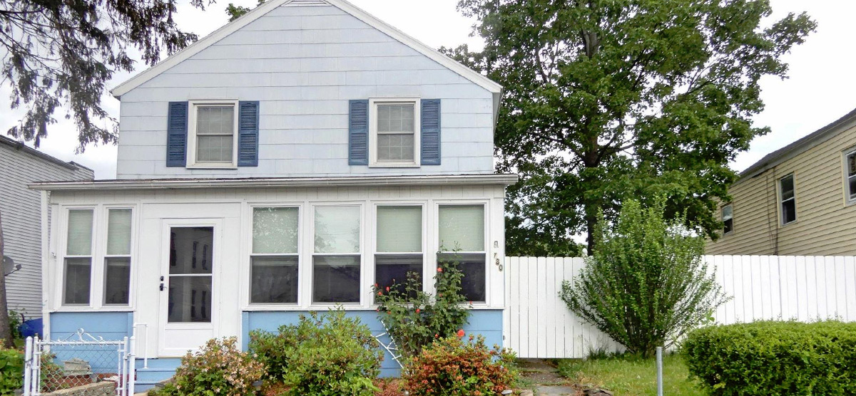 Featured: 780 4th Ave, Troy, NY