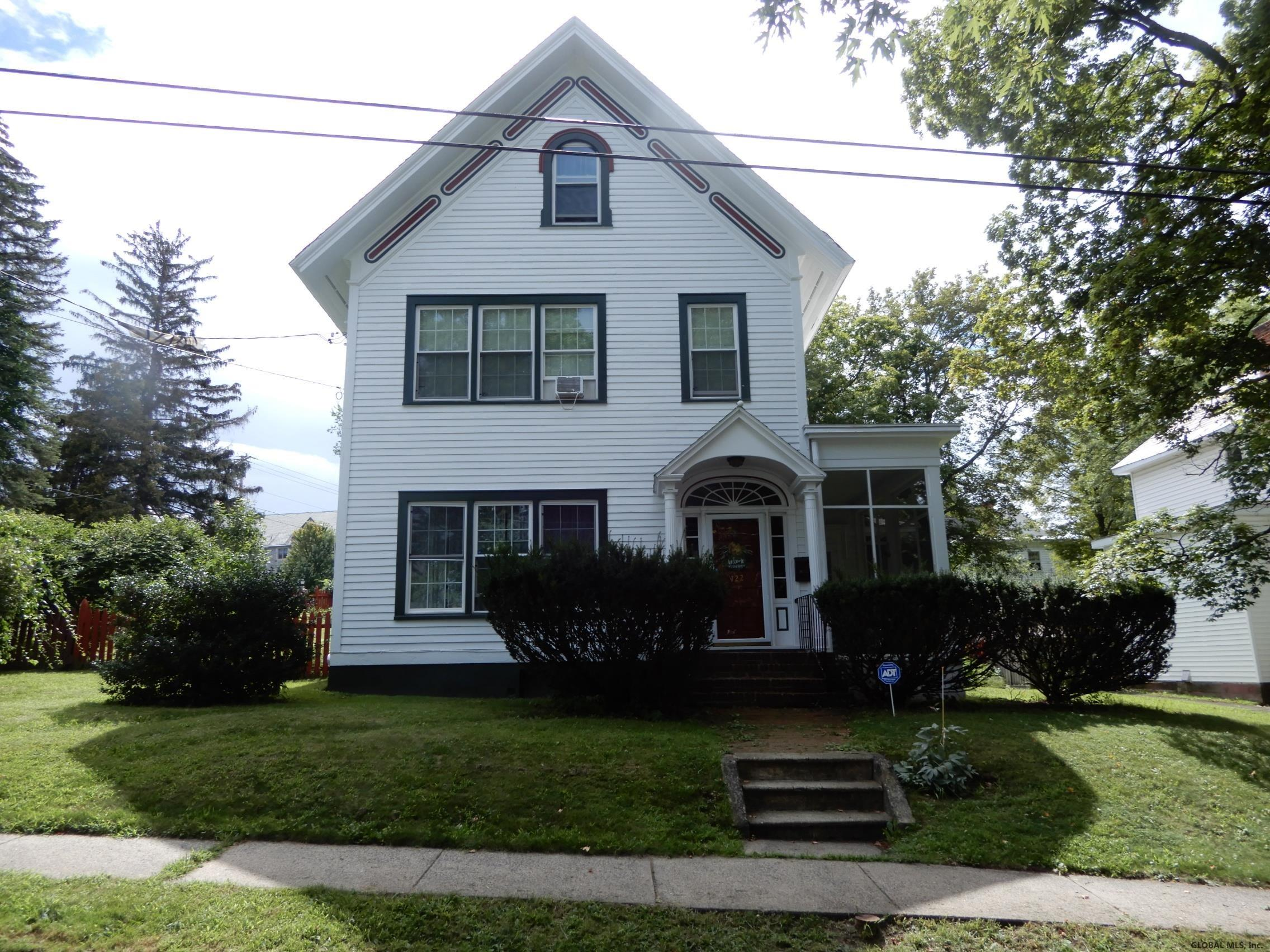 Featured: 122 Maple Ave – Troy, NY