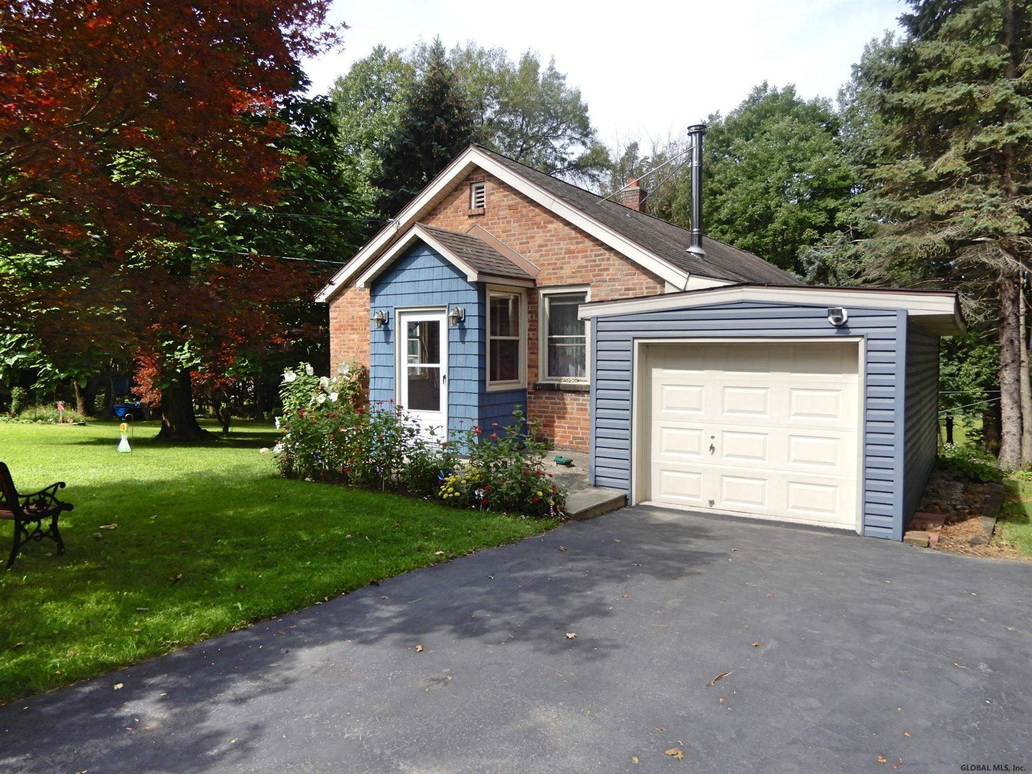 Featured: 71 Bleakley Ave – Brunswick, NY