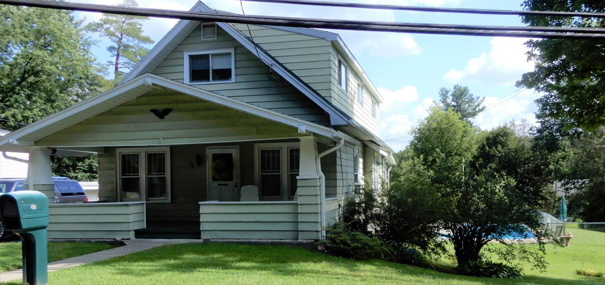 Featured: 30 Mountainview Ave, Brunswick, NY
